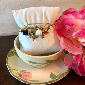 "Crown&Ivy ""Friday Garden"" Goldtone Charm Bangle 🆕"